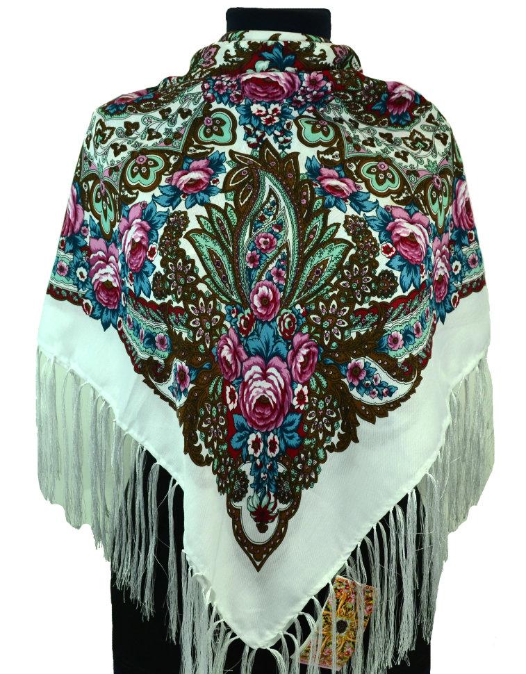 платок с бахромой